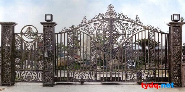 【别墅大门设计 别墅庭院围墙铁艺大门】-[铁艺视点