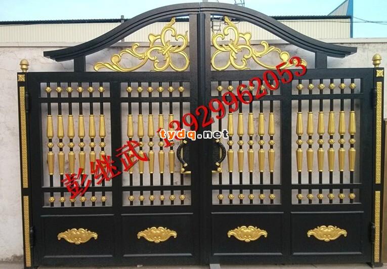 围墙大门,农村小别墅围墙大门安装效果图   8、舒适性:观赏美