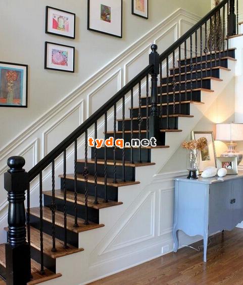 浅谈铁艺楼梯的色彩搭配!