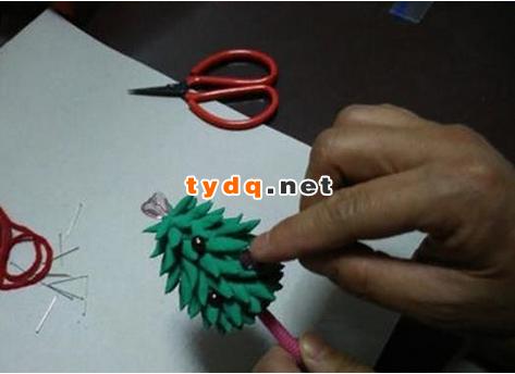 哒哒的软陶圣诞树手工制作方法步骤