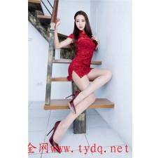 铁艺楼梯和美女效果图