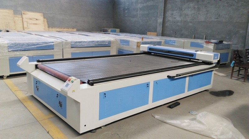 长期供应激光下料机 激光裁皮机 激光裁布机